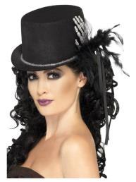 hoed met hand