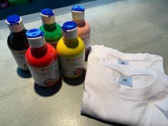 Tie dye pakket 3 (5 kleuren + 2 t-shirts)